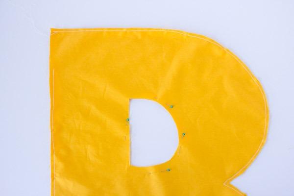 Tutorial de costura para fazer almofadas em forma de Letras
